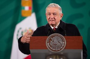 A mexikói elnök élesen kritizálta a közösségi oldalakat, amiért letiltották Trumpot
