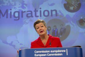 Ylva Johansson szerint a migráció kapcsán egyre több helyen sérülnek az európai elvek