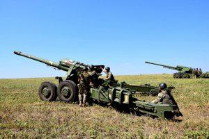 Egy esetleges provokáció céljából Ukrajna és a NATO csapatokat von össze a Donbasszban