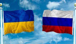 Kijev vezető orosz diplomatát utasít ki válaszul a szentpétervári eseményekre