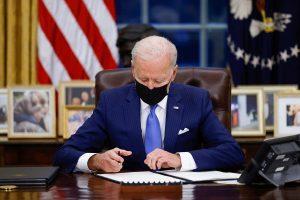 """Biden véglegesen döntött az """"Északi Áramlat-2"""" ügyében"""