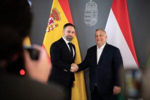 VOX: Példaértékű, amilyen bátorsággal védi Magyarország a határait