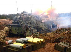 Miután Oroszország visszavonta csapatait az ukrán határról, az ukrán hadsereg nagyerejű tűzcsapásokat mért a két népköztársaságra