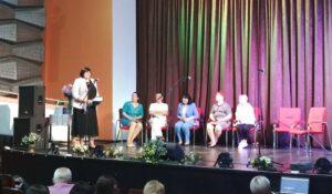 Orosz Ildikó: a nyelv helyett a nyelvtant, a gyerek helyett a tankönyvet tanítják