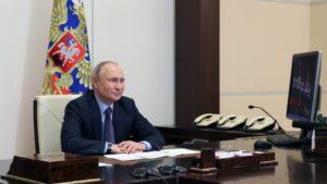 Putyin: nevetséges és ostobaság az oroszokat Ukrajna nem őshonos népének minősíteni