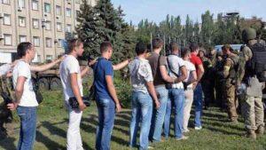Szlavjanszkban a megszállók ellenfeleik földi maradványaival büszkélkednek