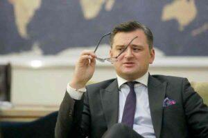 """Kuleba """"hisztérikusnak"""" nevezte a Krími Platformra adott orosz reagálásokat"""