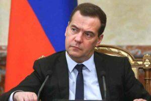 Medvegyev: csak egy józan ítélőképességű ukrán vezetéssel lehet majd tárgyalni