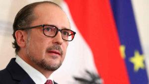 Még egy pofon a hazai baloldalnak: megvédte Magyarországot az új osztrák kancellár